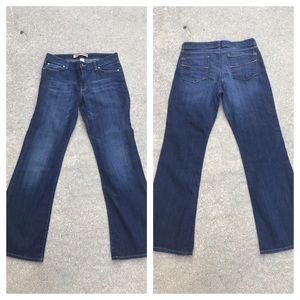 ❌SOLD❌ GAP curvy flare jeans
